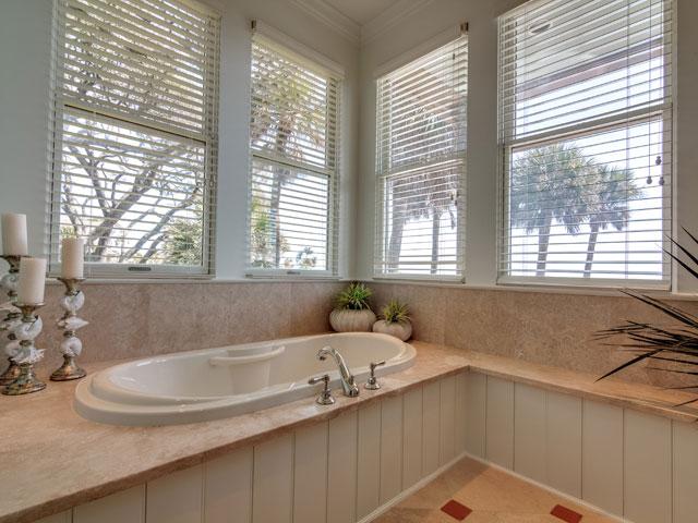 17 Brigantine - Bathroom