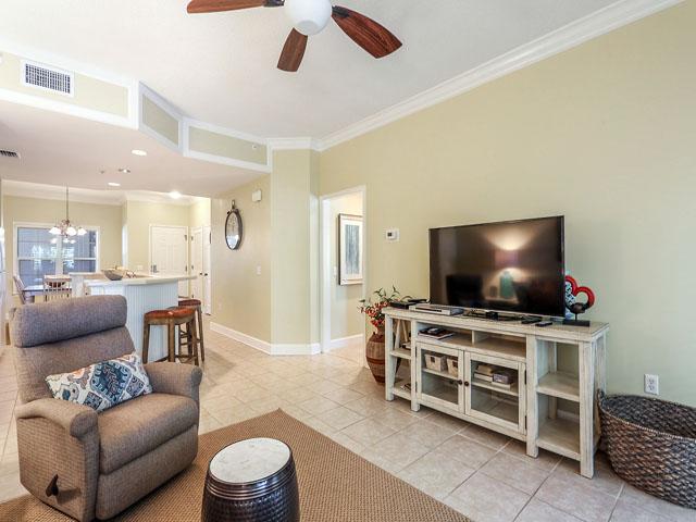102 North Shore- Living Room