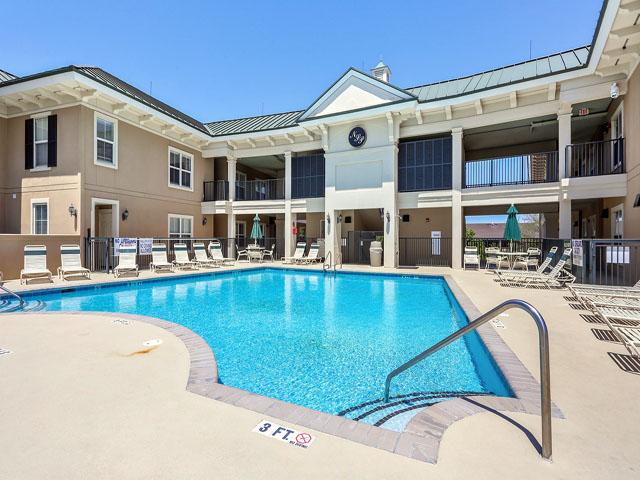 102 North Shore- Pool