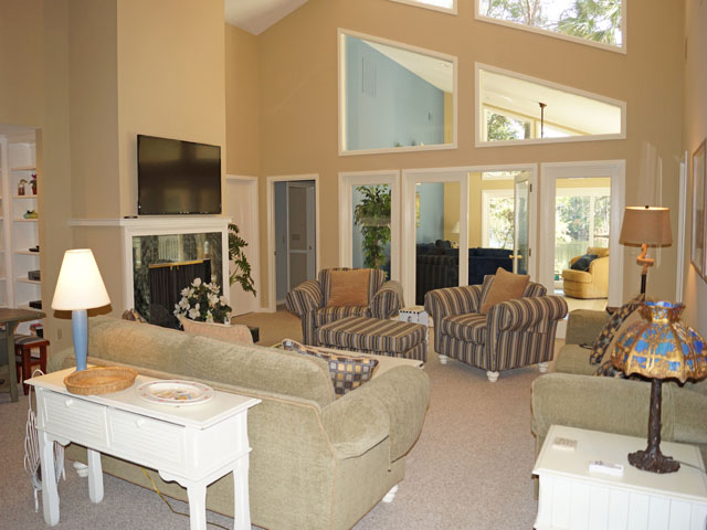 10 Sea Lane - Living Room