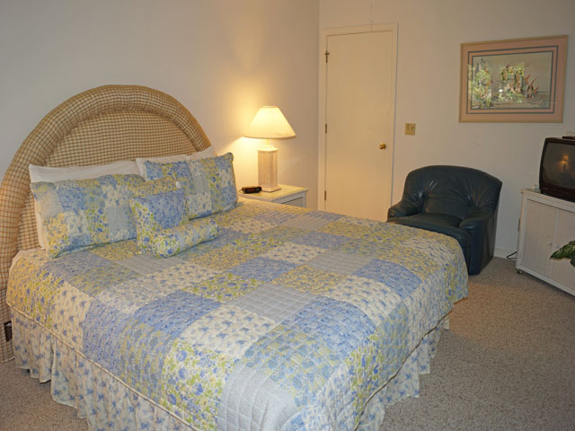 10 Sea Lane - Bedroom
