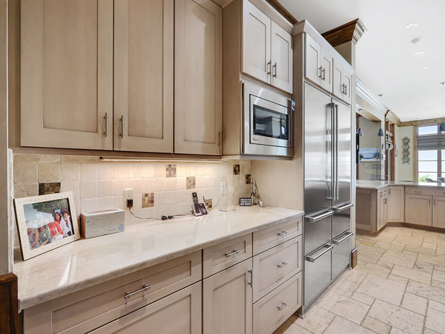 21 Brigantine - Kitchen