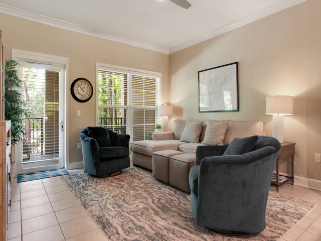 North Shore 110- Living room