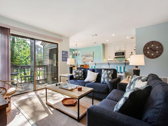 Racquet Club 2365 - Living Room