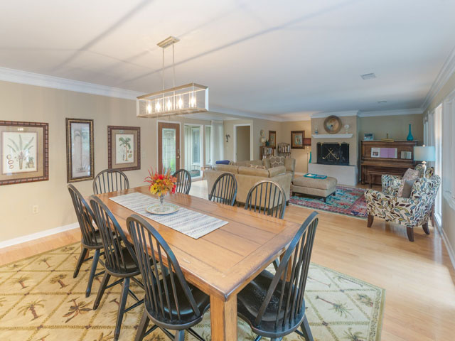 91 Baynard Cove- Dining area