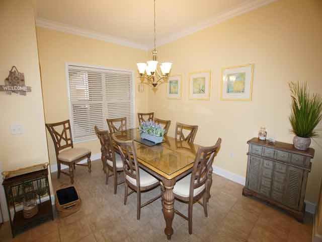 307 North Shore - Kitchen table