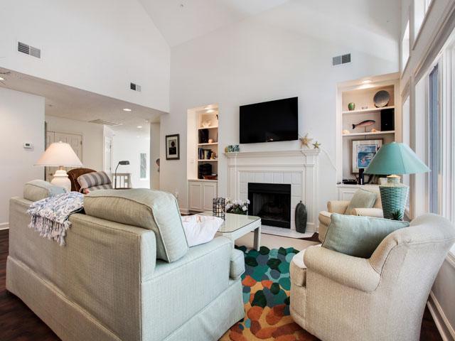 Huntington 7647- Living room