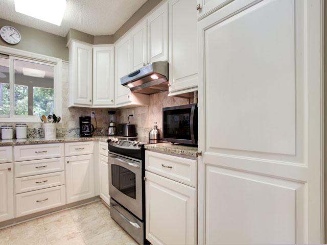 Huntington 7647- Kitchen