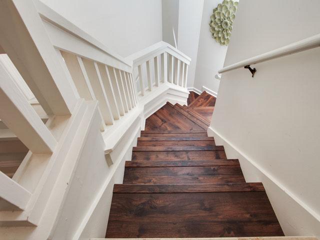 Huntington 7647- Stairs