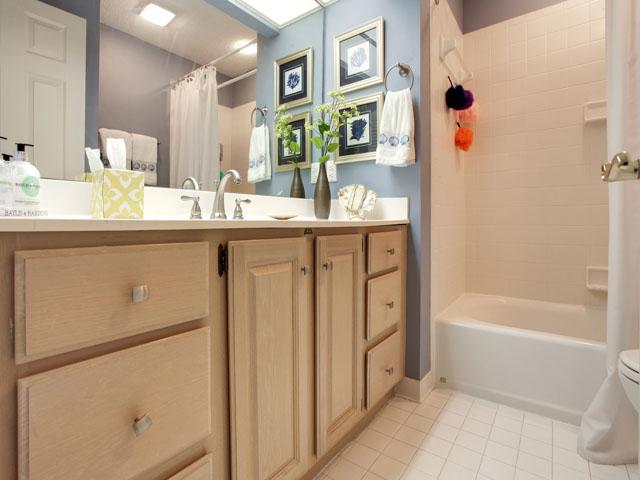 Huntington 7647- Second bath