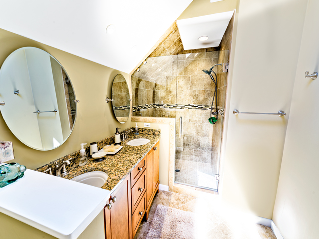 6 Junket - Bathroom