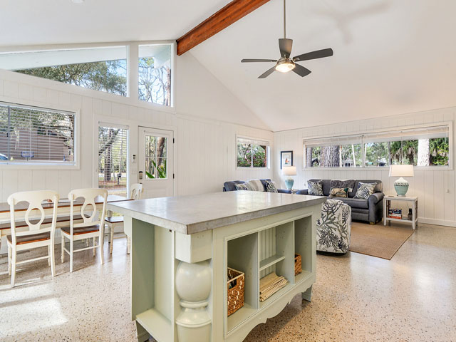 1 Dogwood - Kitchen
