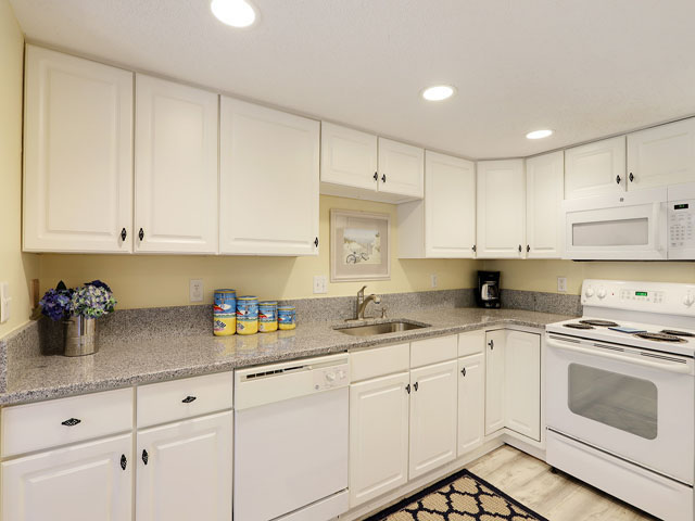 107 Beachwalk - Kitchen