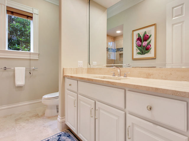 11 Iron Clad - Bathroom 3