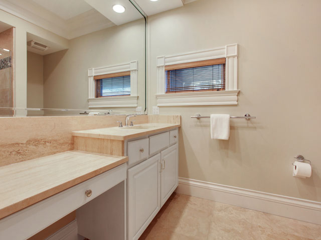 11 Iron Clad - Bathroom 5