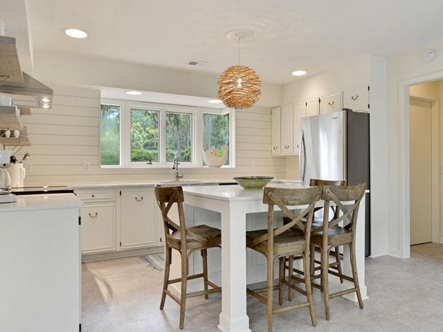 89 Baynard Cove - Dining Area/Entry