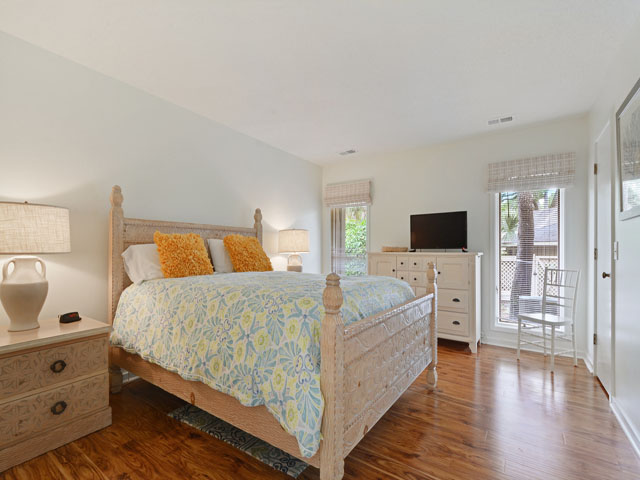 89 Baynard Cove - Living room