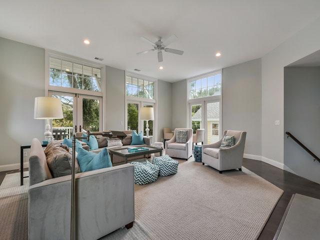 30 Sandpiper - Living room
