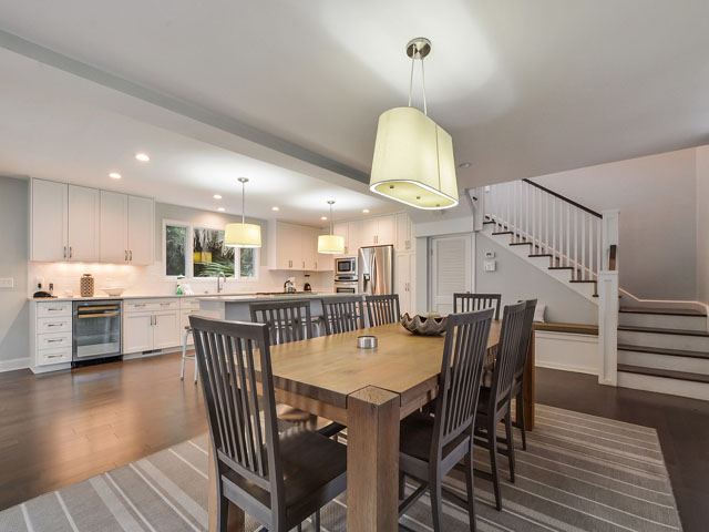 30 Sandpiper - Dining table