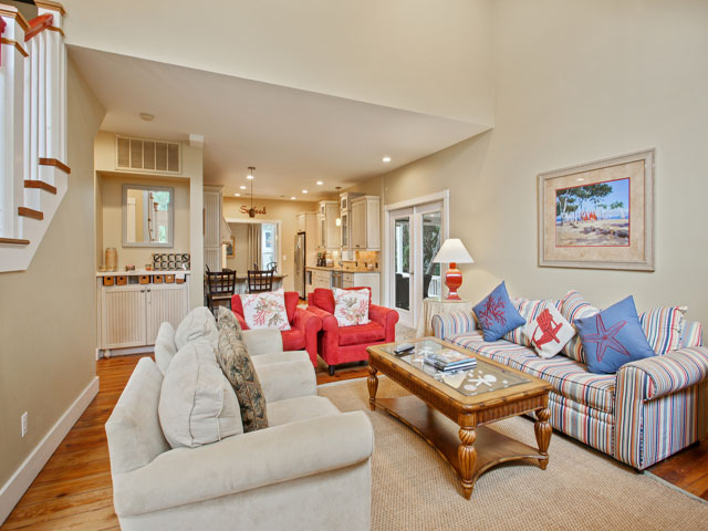 48 North Forest Beach - Living Room