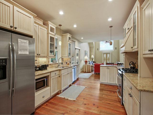 48 North Forest Beach - Kitchen