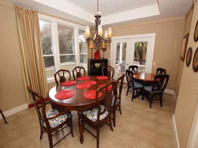 48 North Forest Beach- Dining room
