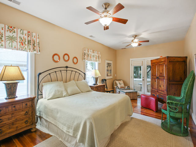 48 North Forest Beach - Bedroom 1