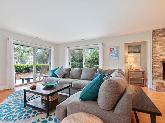 46 Plantation Drive - Living room