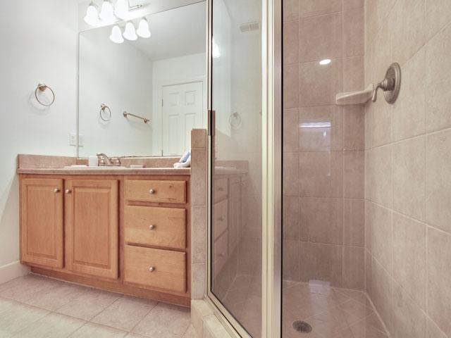 46 Plantation Drive - Bathroom 1
