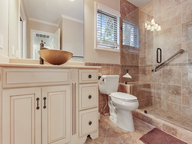 Gloucester 67- Bathroom 2