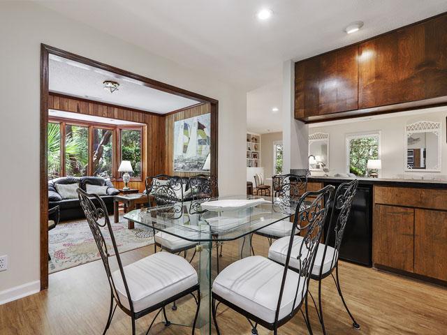 49 South Beach Lane - Dining room