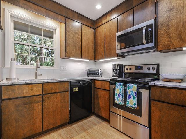 49 South Beach Lane - Kitchen
