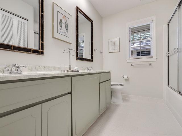 49 South Beach Lane - Hallway bathroom