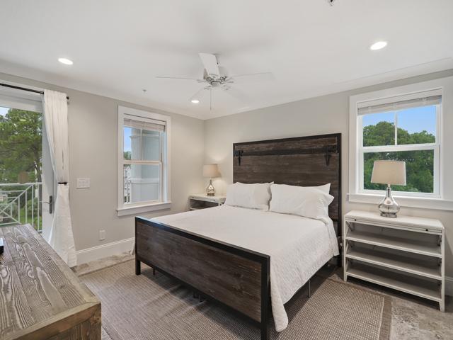 Bedroom 8 - king