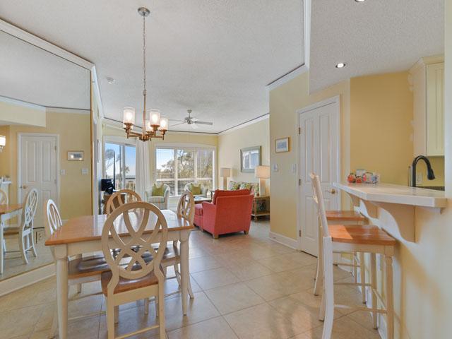 3303 Windsor Court - Entry/ Dining Room