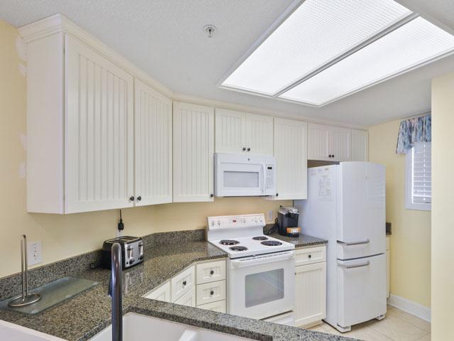 3303 Windsor Court - Kitchen