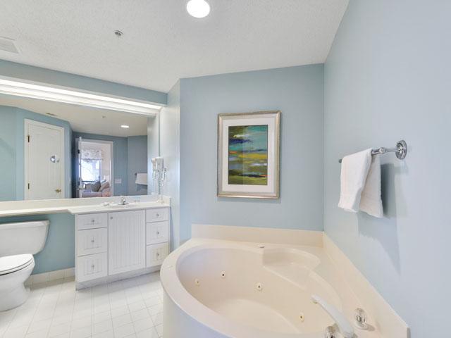 3303 Windsor Court - Bedroom Bathroom