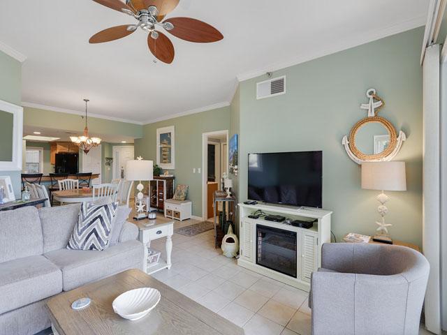 115 Barrington Court - Living Room