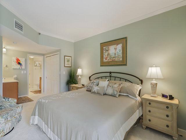 115 Barrington Court - Master bedroom