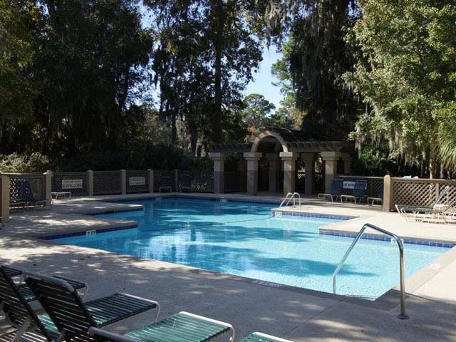 161 Colonnade Club - Pool