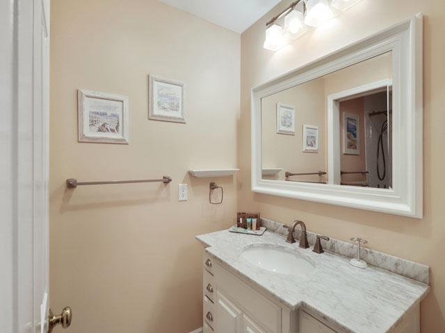 162 Colonnade Club - Master Bathroom